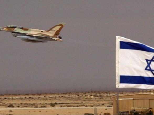 """СМИ: израильская авиация нанесла удары по """"морской полиции"""" ХАМАС в секторе Газа"""