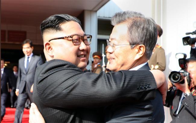 Лидеры Северной и Южной Кореи встретились в демилитаризованной зоне