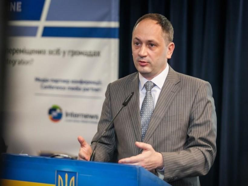 Министр по делам ВОТ Черныш в апреле получил две президентские зарплаты
