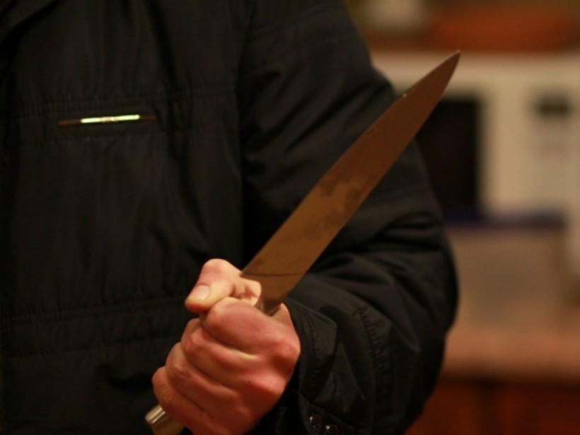 14-летний житель Луганской области ударил отца ножом в грудь