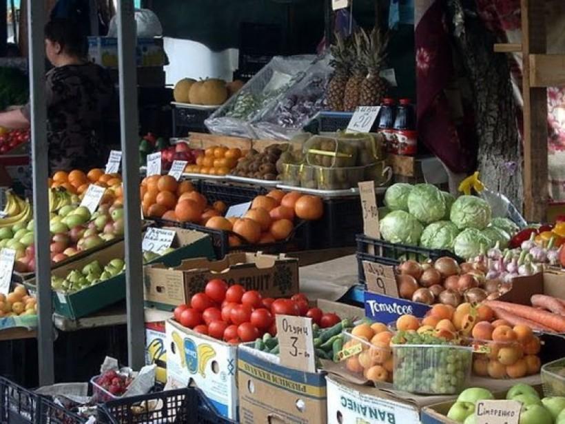 В Киеве запретили продавать продукты с лотков на улице - Госпродпотребслужба
