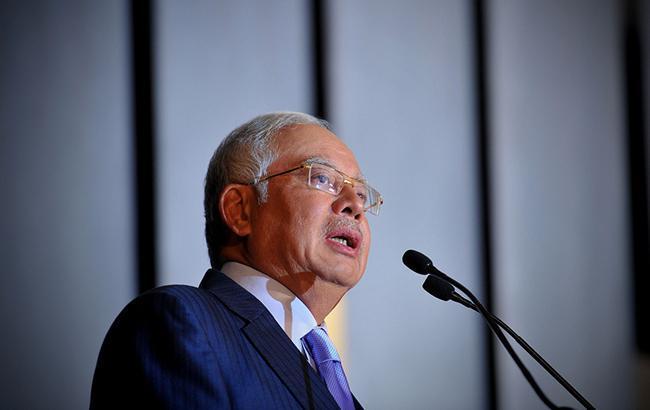Экс-премьера Малайзии судят по обвинению в коррупции