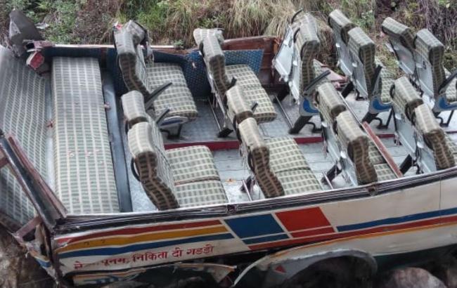 В Гималаях автобус слетел в пропасть, 44 человека погибли
