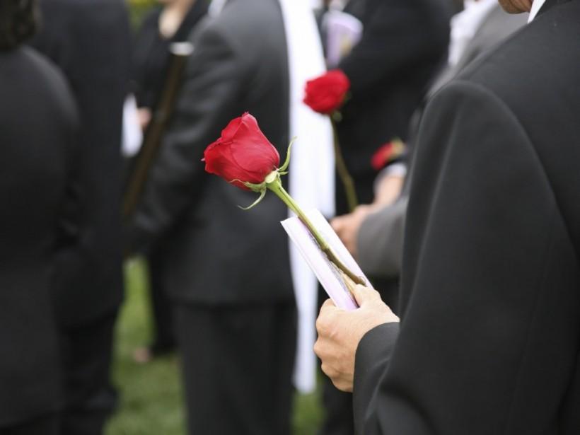В Запорожской области ритуальщики привезли на похороны родственникам не тот труп