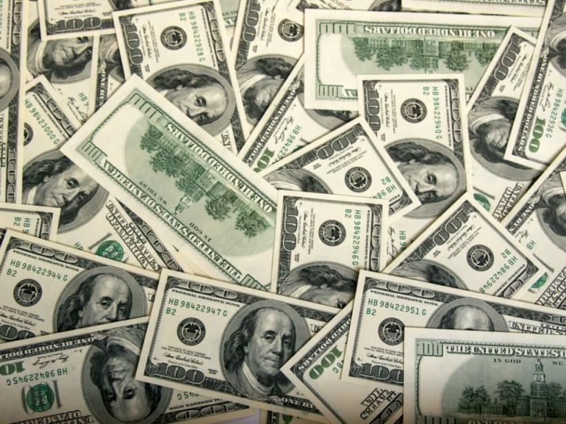 НБУ установил официальный курс на уровне 27,01 гривны за доллар