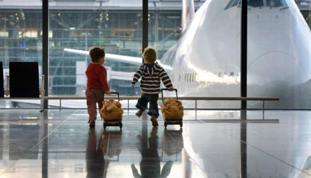 В Минюсте разъяснили правила пересечения границы детьми