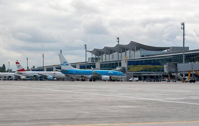 """Обыски в аэропорту """"Борисполь"""" продолжаются после вчерашних задержаний"""