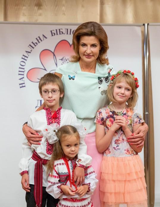 """Марина Порошенко наградила победителей """"Книжных игр-2018"""""""
