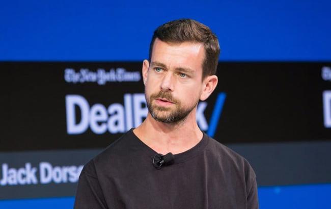 Топ-менеджеры Facebook и Twitter выступят в Сенате на заседании разведкомитета