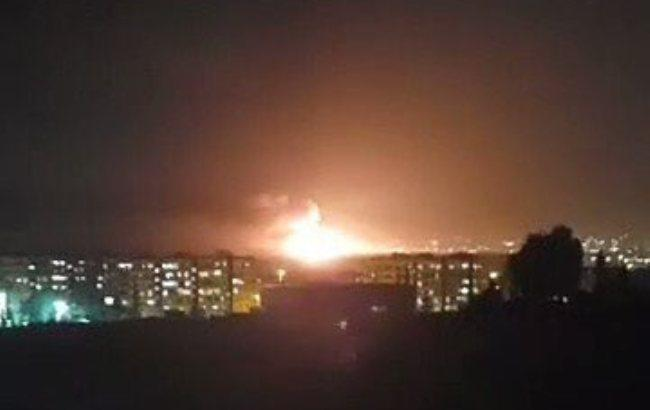 На военном аэродроме под Дамаском прогремела серия взрывов