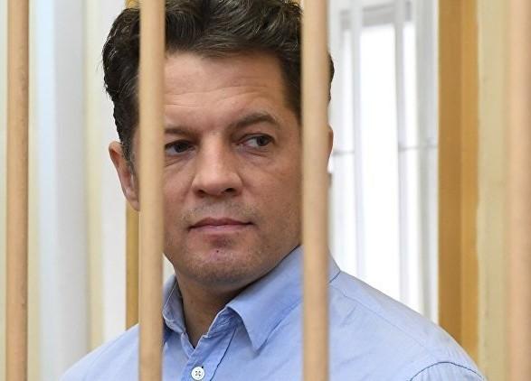 """Порошенко заверил Сущенко, что день его освобождения """"неуклонно приближается"""""""