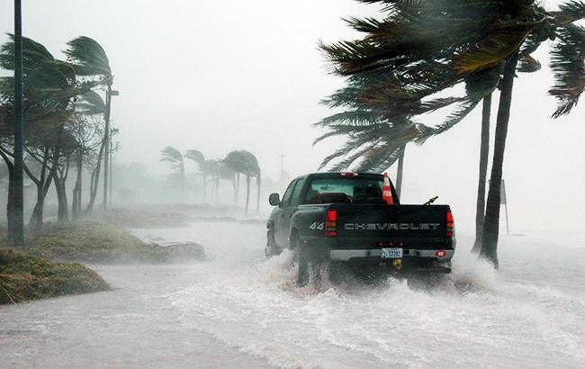 """В трех штатах США объявили чрезвычайное положение из-за урагана """"Флоренс"""""""