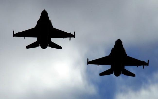 Израильская армия выпустила ракеты по складу оружия вблизи аэропорта Дамаска