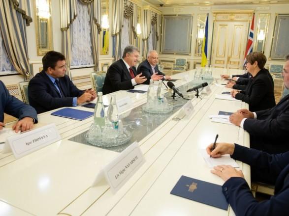 Украина и Норвегия обсудили шаги для освобождения заложников Кремля