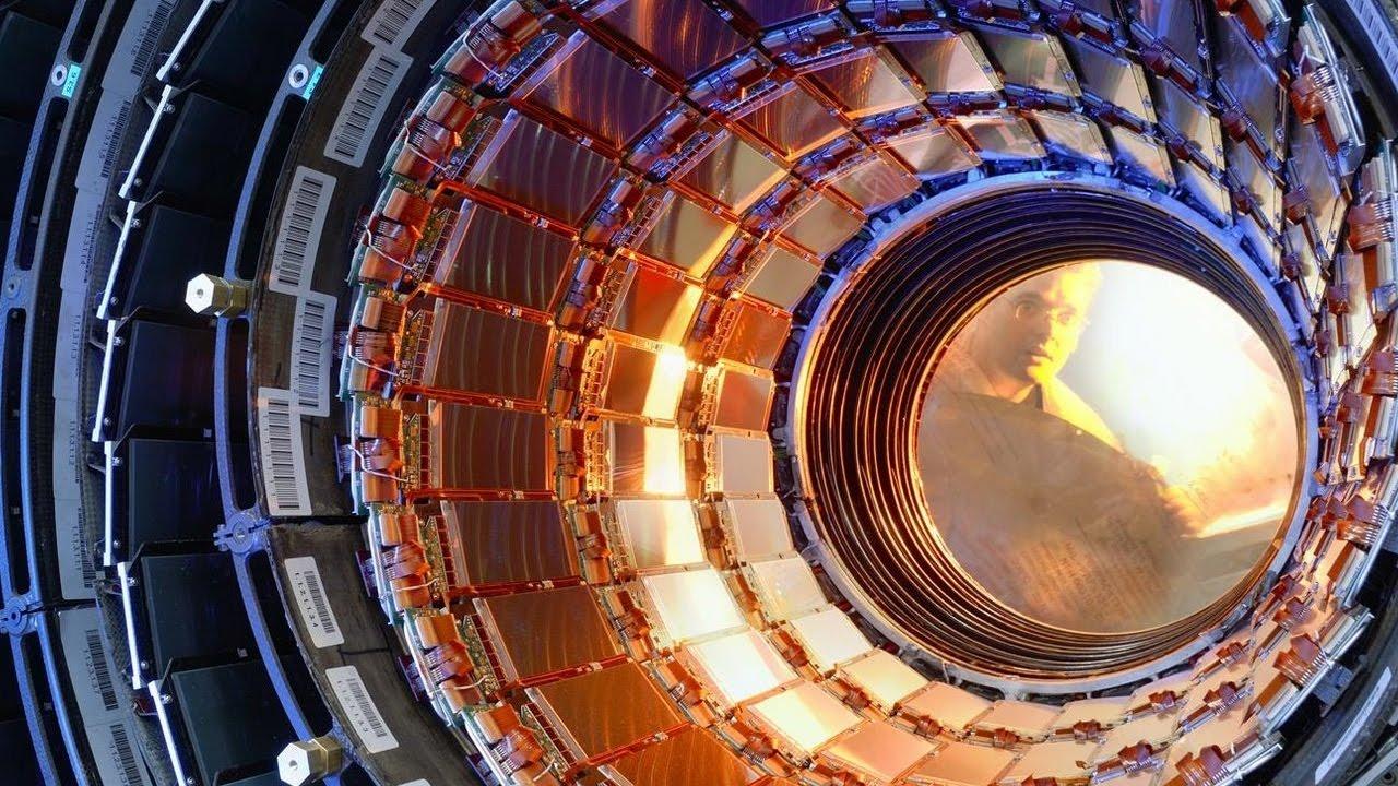 Физики изCERN обнаружили две новые частицы иследы присутствия 3-й