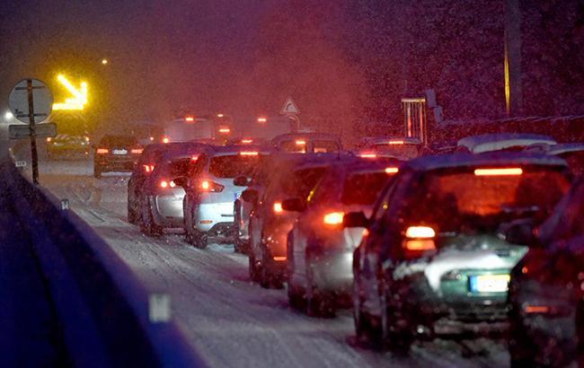 Во Франции из-за сильных снегопадов без света остались 195 тыс. домов
