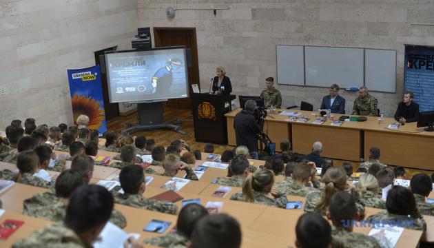Молодежь должна быть политически активной и ходить на выборы - Жемчугов