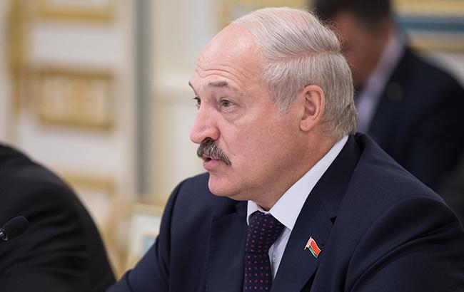 Лукашенко предлагает отправлять студентов в армию во время летних каникул