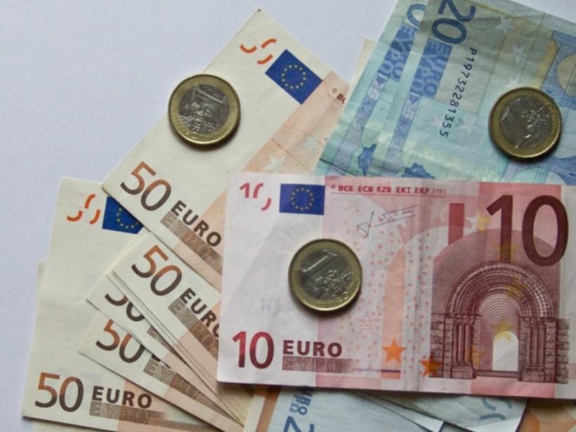 Курс евро в киевских обменниках повысился на 9 копеек