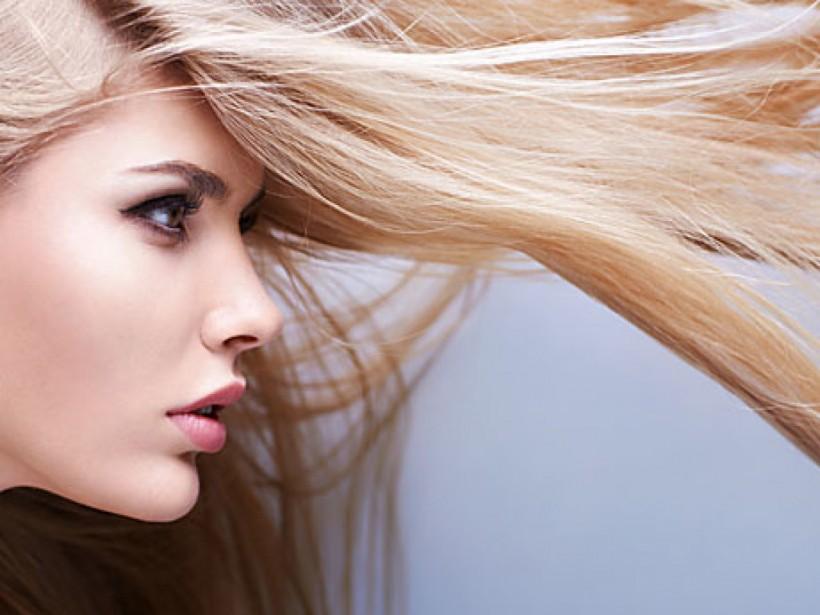 В холода лучше отказаться от укладки волос – эксперт