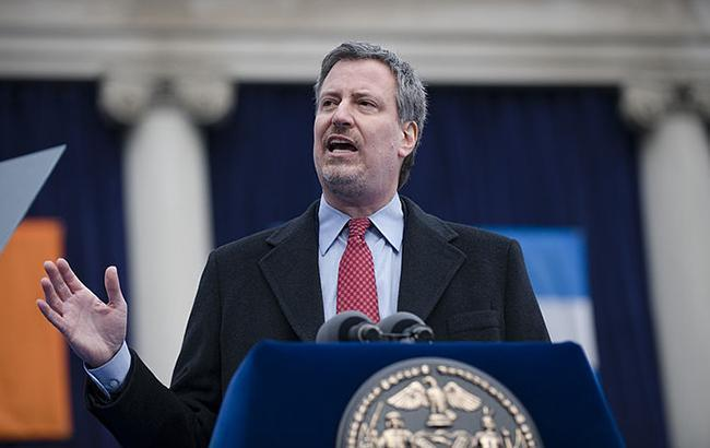 Мэр Нью-Йорка назвал отправку посылок с бомбами попыткой терактов