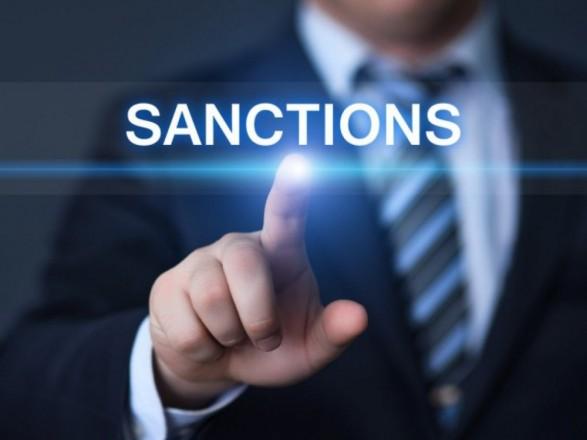 Медведев: российские санкции коснутся сотен украинцев
