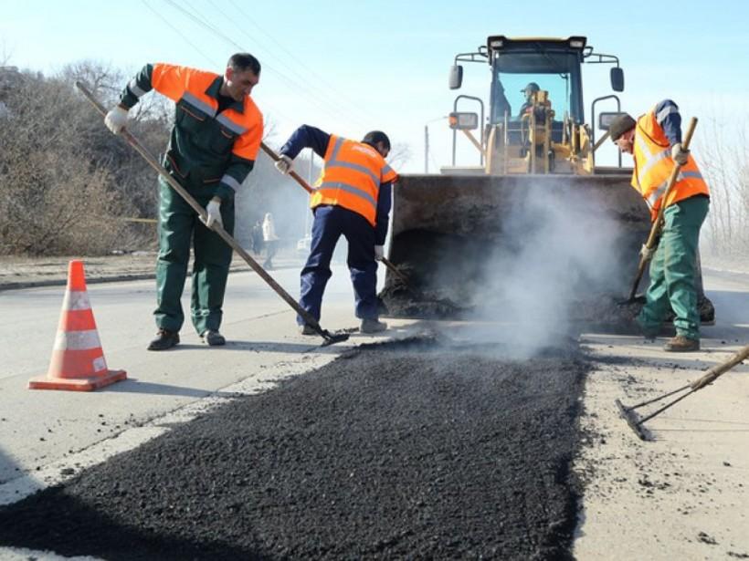 Гройсман отчитался о ремонте дорог в Украине
