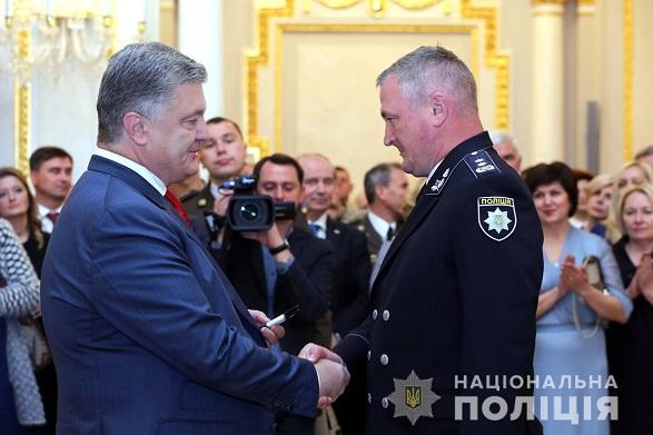 Президент присвоил главе Нацполиции новое звание