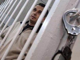 Украинский МИД требует допустить к Сенцову украинских медиков