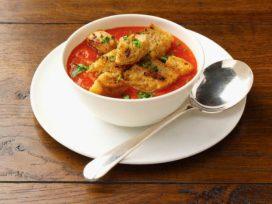 Горячие супы и теплая вода ускорят выздоровление от простуды -медик