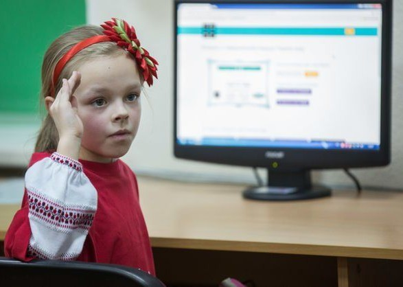 Украина должна продолжить переходный период по закону об образовании - Климкин