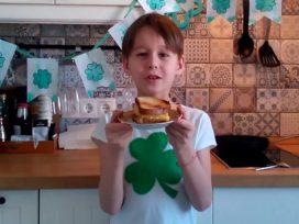 Врач призвал не делать детям бутерброды на перекусы в школе