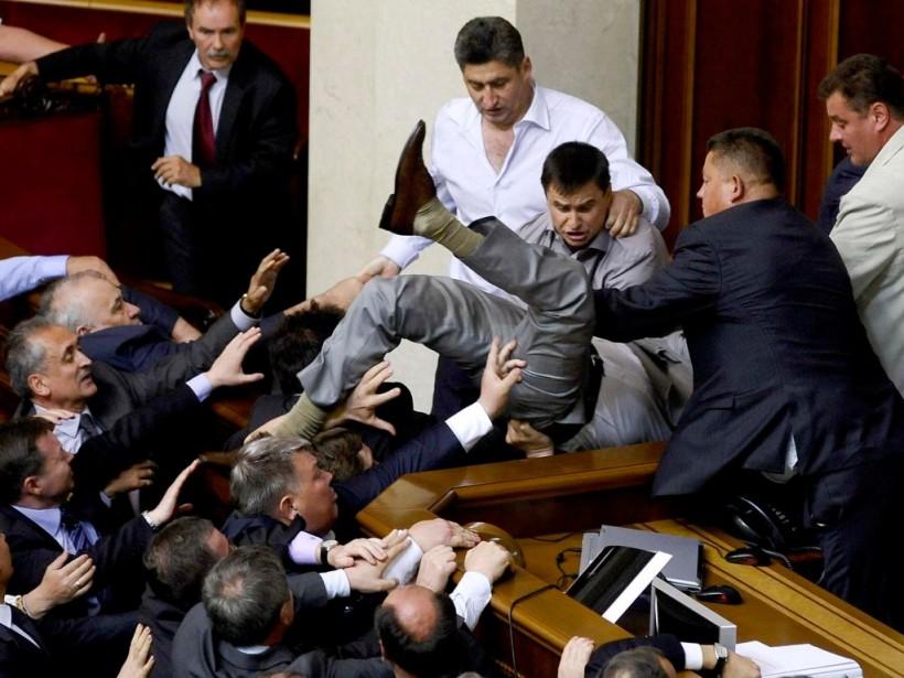 А. Якубин: «Украинские политики стали заложниками создания конфликтов в стране, а не их решения»