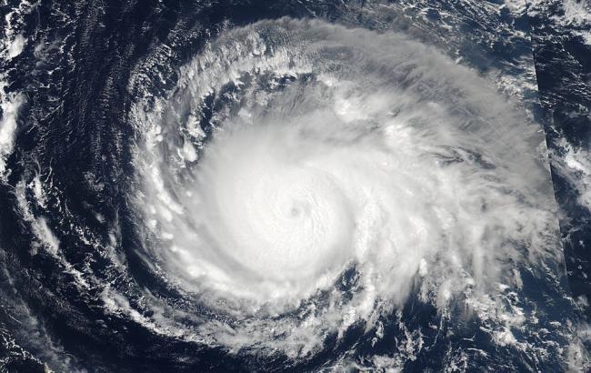 """Ураган """"Уилла"""" приблизился к курортному городу Мексики, эвакуированы тысячи человек"""