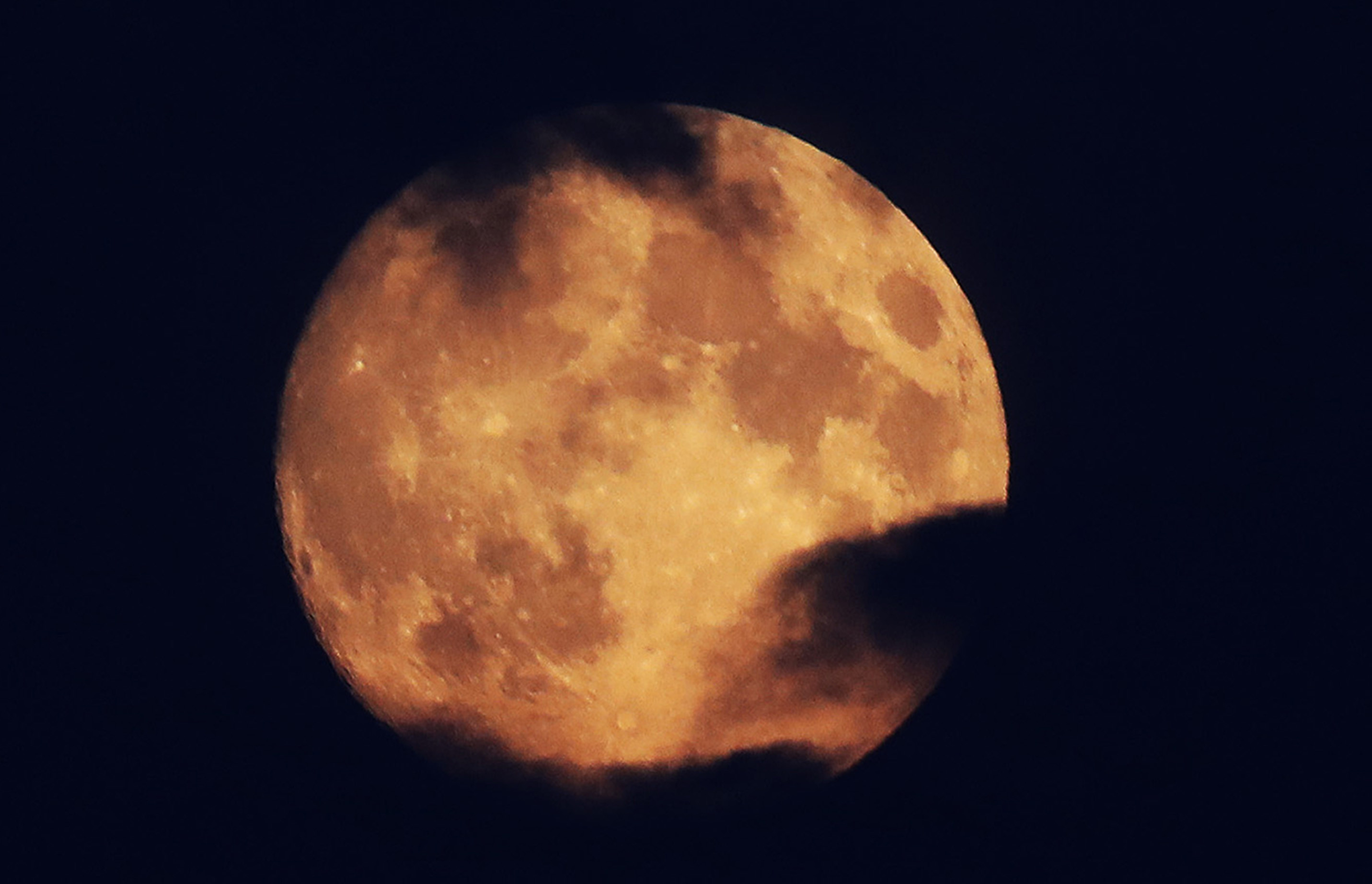 Китайские ученые планируют создать искусственную Луну
