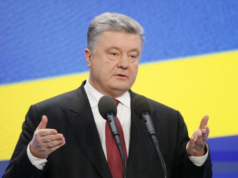 СМИ: Порошенко хотел вести переговоры с УПЦ тайно, и просил перенести их в Украинский дом