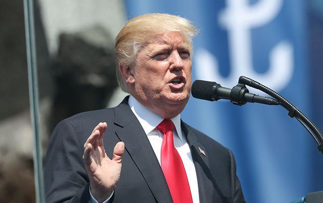 """Трамп отреагировал на признание его адвокатом в даче ложных показаний по """"российскому делу"""""""