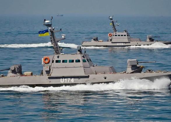 """В ВМС Украины напомнили России, где ее """"территориальные воды"""""""