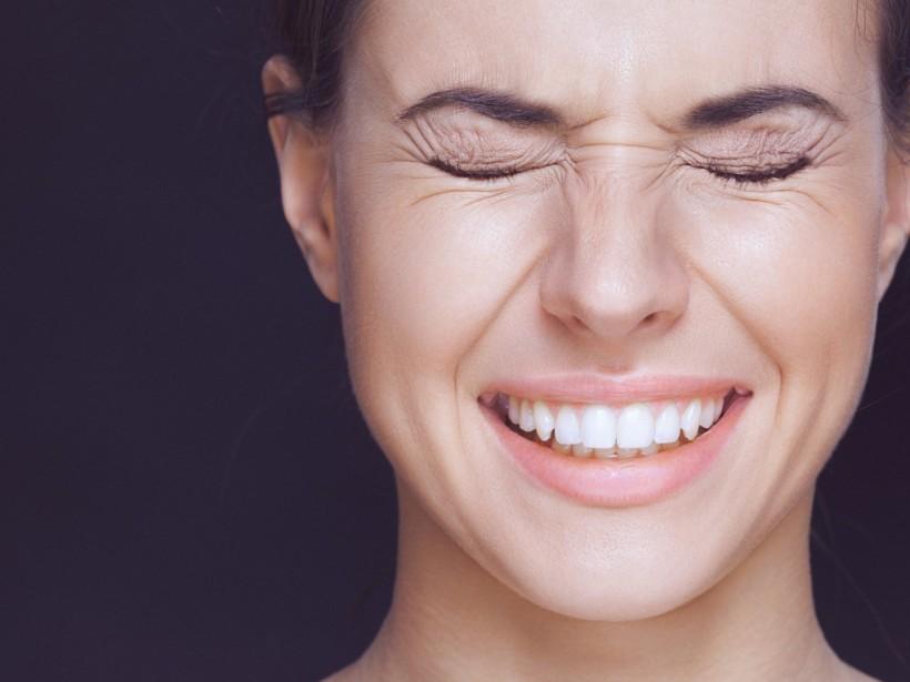 Причиной появления морщин могут быть неправильный уход за кожей и богатая мимика - эксперт