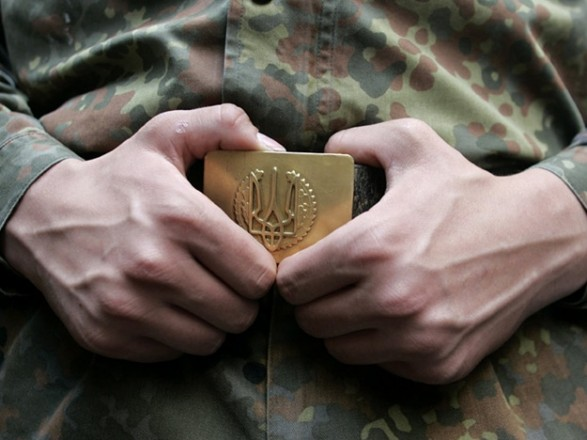 В армию на контракт в этом году приняли более 27 тыс. человек