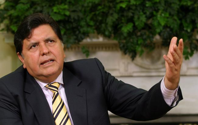 Подозреваемый в коррупции экс-президент Перу попросил убежища в Уругвае