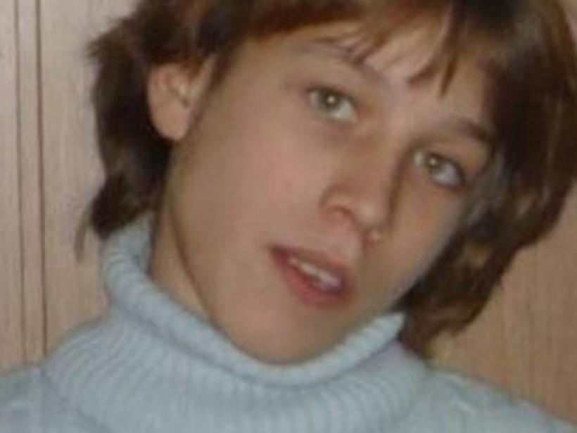 Сбежала из учебно-реабилитационного центра: под Киевом пропала 14-летняя девочка (ФОТО)