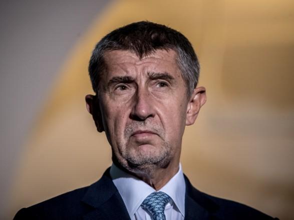 Премьер Чехии объяснил пребывания своего сына в Крыму тем, что он душевнобольной