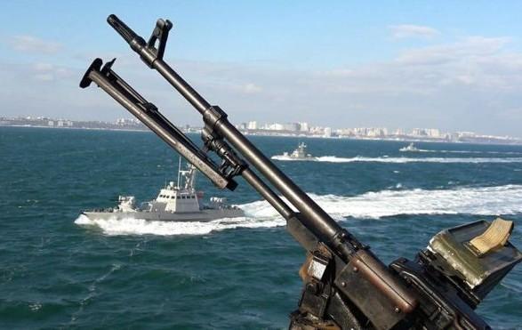 В РФ заявили, что корабли ВМС Украины нарушили границу в Азовском море