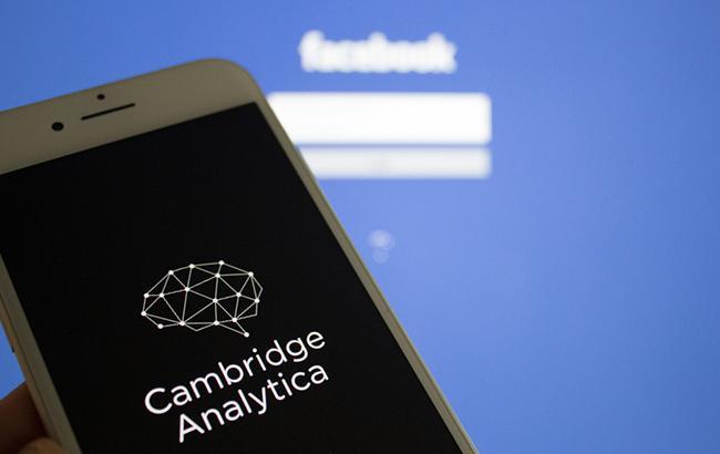 Британия просит ЕС расследовать политическую рекламу в Facebook