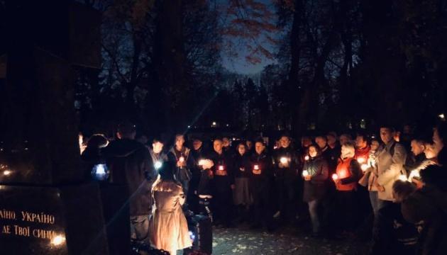 В Варшаве зажгли свечи в память о 100-летии польско-украинской войны
