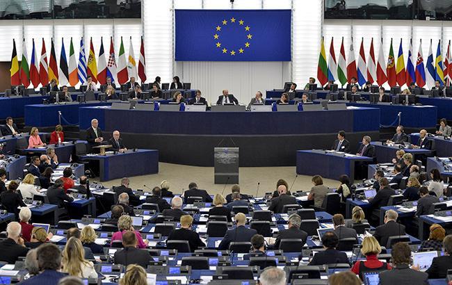 Еврокомиссия выступает за проведение экстренного саммита ЕС по Brexit
