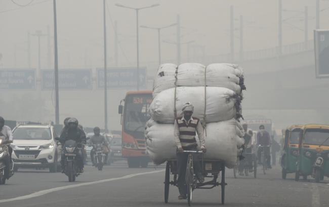 В столице Индии люди задыхаются от токсического смога