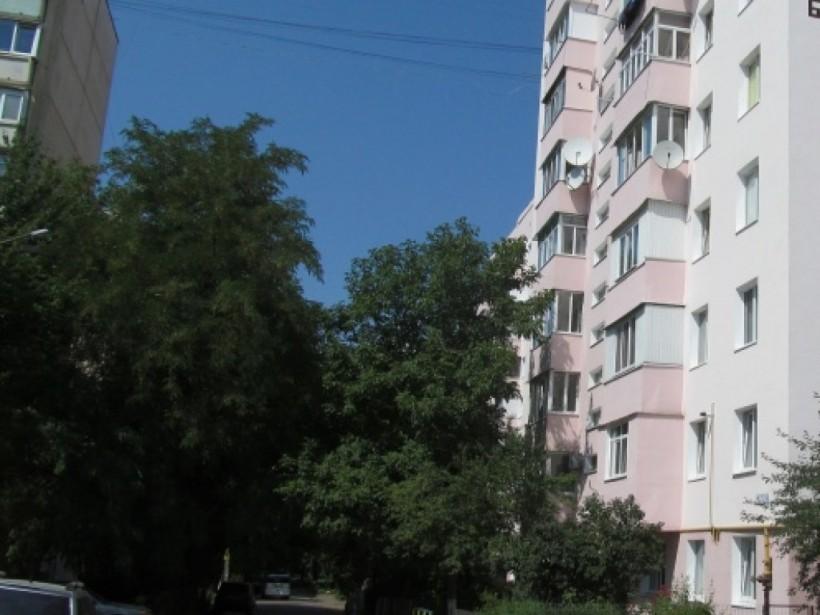 В Черновцах девушка покончила с жизнью, прыгнув из окна 5 этажа
