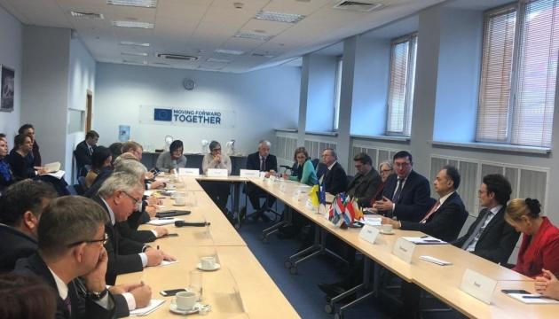 Луценко проинформировал дипломатов ЕС о расследовании дела Гандзюк